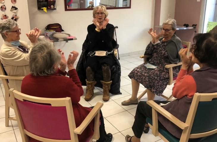 Automassage des mains en Domiciles services à Nantes